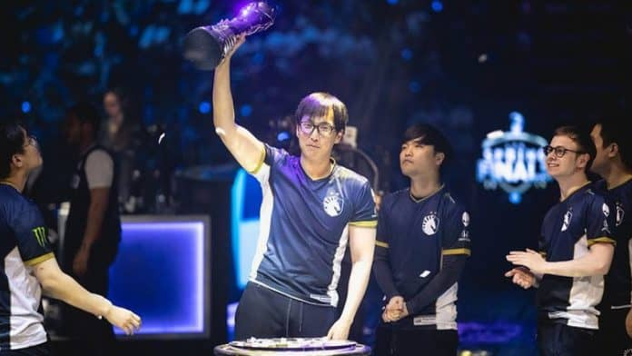 doublelift-trophy-win-riot-games-lcs-spring-playoffs